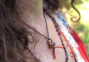 Lillipuce portée en pendentif